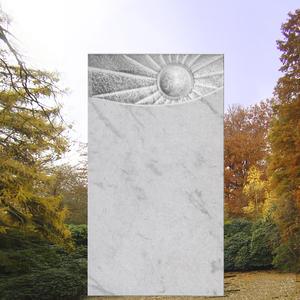 Helios Grabmal mit Sonnenmotiv