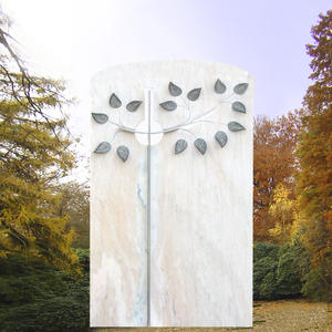 Albero Grabdenkmal mit Lebensbaum