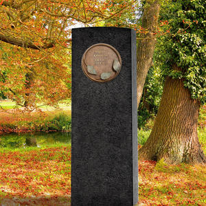 Lapis Aeneus Dunkler Granit Grabstein mit Bronze Ornament / Floral - Urnengrab