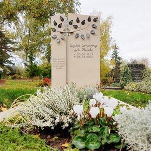 Annot Familiengrabmal Naturstein Baum Design