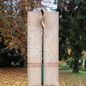 Ostana Grabstein moderne Grabmalkunst mit Lebenslinie