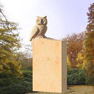 Hedwig Kindergrabstein mit Eule