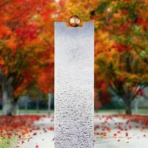 Portici Moderno Kalkstein Urnengrab Grabstein mit Bronze Symbol Kugel