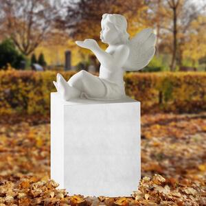 Aurelius Kindergrabstein aus Marmro mit Sitzendem Engel