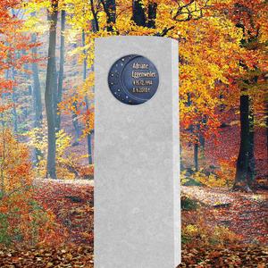 Sidera Calestis Kindergrabstein in Kalkstein Weiß - Bronze Ornament: Mond & Sterne