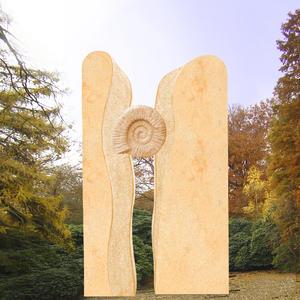 Ammon Zweiteiliger Kindergrabstein mit Ammonit