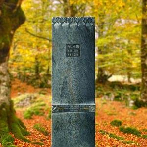 Celano Kleiner Urnengrabstein mit Ornament aus Granit