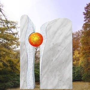 Zweiteiliger Grabstein mit Sonnenornament
