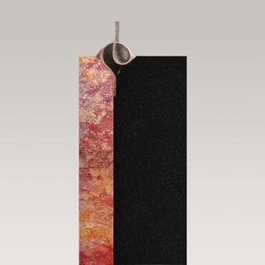 Tizian Colorata Moderner Einzelgrabstein Rot / Schwarz mit Bronze Ornament