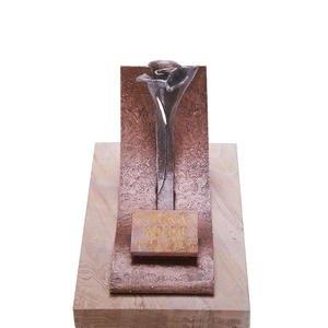Valletri Moderner Urnengrab Liegestein mit Bronze Symbol Floral