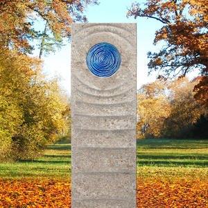 Levanto Celeste Muschelkalk Urnengrab Grabstein mit Glas Element in Blau