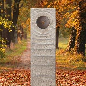 Levanto Momento Muschelkalk Urnengrabstein mit Bronze Element Scheibe