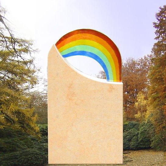 Amanda – Kindergrabmal mit Regenbogen