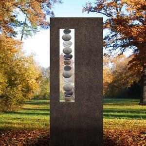 Albona Lapis Schwarzer Granit Grabstein mit Kieselsteinen