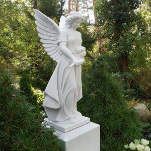 Aurelia Stehender Grabengel aus Marmor mit Blumen Doppelgrab