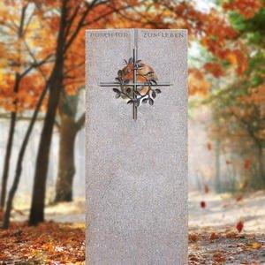 Raphael Deus Urnengrab Grabstein Granit mit Bronze Kreuzornament