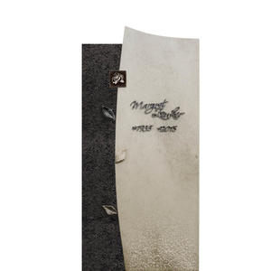 Forio Nigrum Urnengrabstein in Hell/dunkel mit Rose & Blatt Ornamenten (granit & Kalkstein)