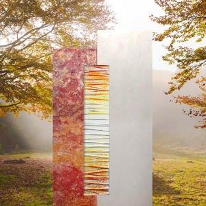Rosso Vetro Urnengrabstein Zweifarbig Rot / Weiß mit Lebensbaum Glas