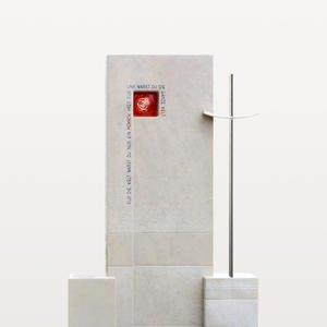 Montero Urnenstein mit Kreuz & Roter Glasrose