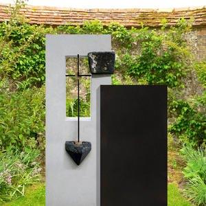 Arezzo Noir Zweiteiliger Doppelgrabstein mit Kreuz Symbol