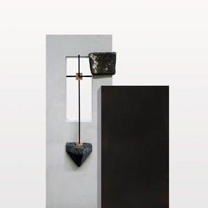 Arezzo Noir Zweiteiliger Einzelgrabstein mit Kreuz Symbol