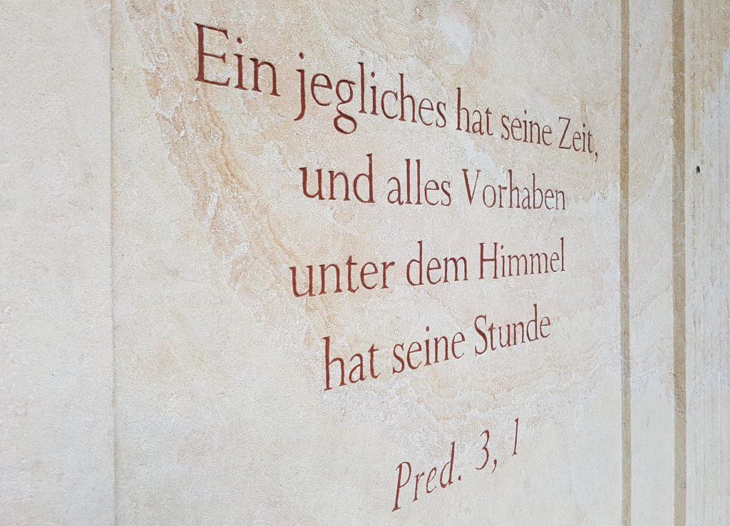 Sandstein-Grabspruch-Textament-christlich-religiös-katholisch
