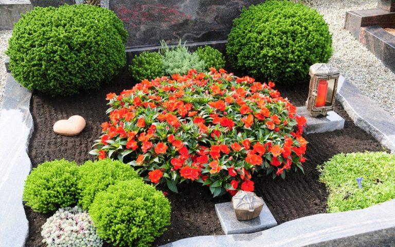 Stilvolle Grabbepflanzung