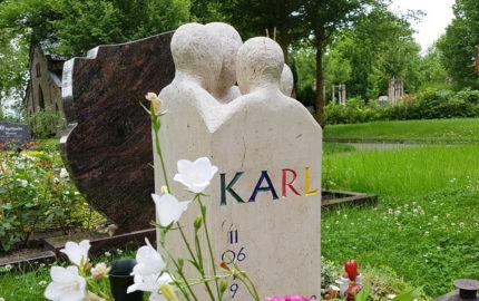 Erfurt-Hochheim Friedhof Grabstein Hübner