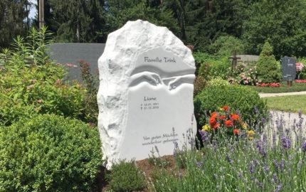 Villach Waldfriedhof Mittewald Grabstein Trink