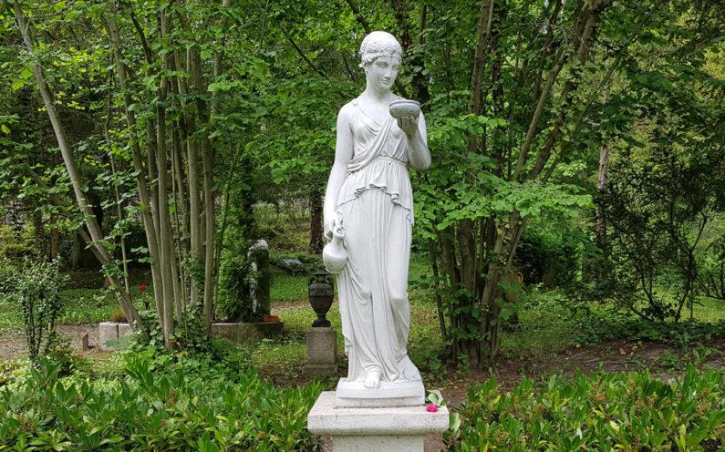 Jena Nordfriedhof Historische Grabanlage Knorre - 2