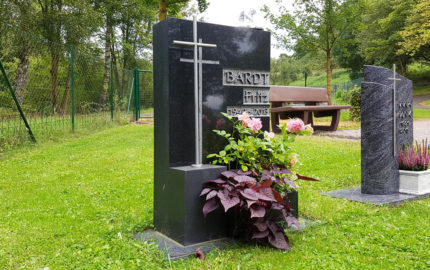 Ronshausen Friedhof Grabstein Barth