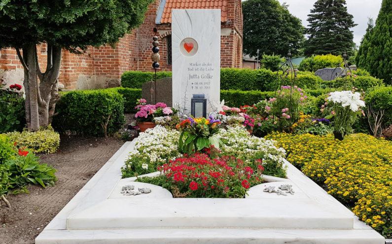 Abtshagen Friedhof Grabstätte Golke - 0