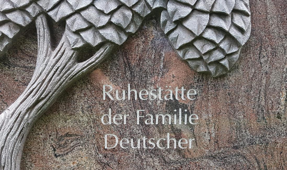 Grabstein Granit Paradiso Grabinschrift Gravur Steinmetz Demmin Mecklenburg