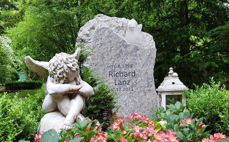 Erfurt Hauptfriedhof Grabstein Tarwitz