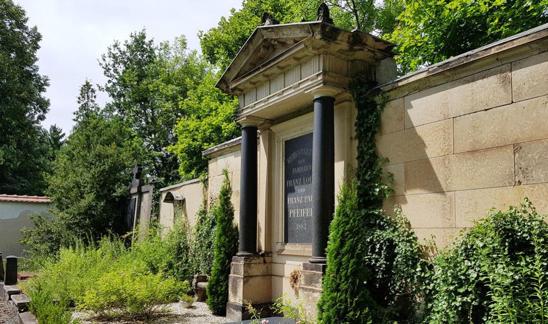 Grabwand Historisches Familiengrab Sandstein Weida Friedhof