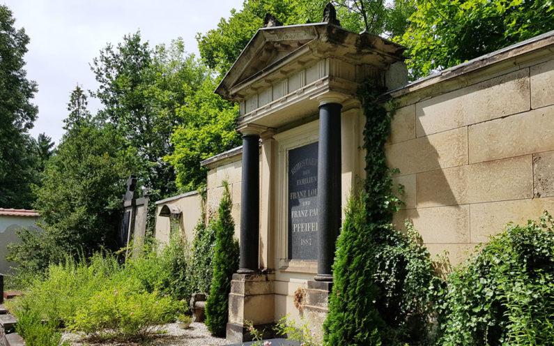 Weida Friedhof Historische Grabstätte Familie Pfeiffer - 2