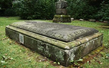 Georgenthal historischer Grabstein des Grafen Sizzo v. Schwarzburg-Käfernburg
