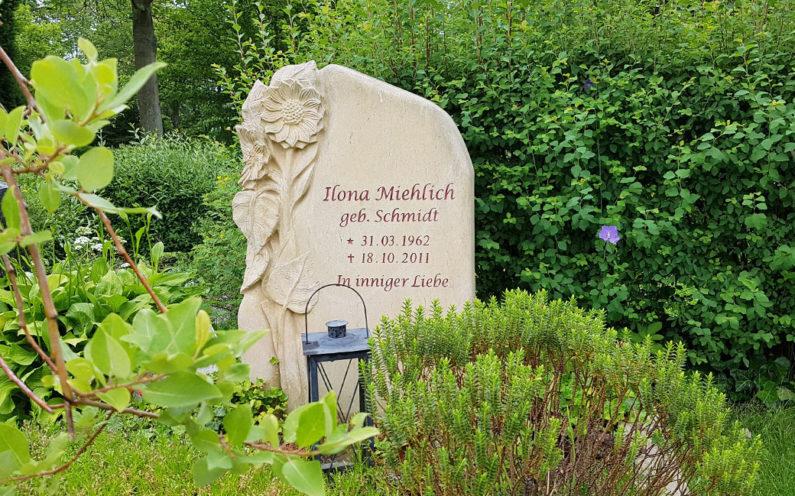 Erfurt-Hochheim Friedhof Gedenkstein Miehlich