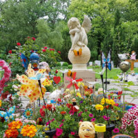 Gestaltung Kindergräber Grab für Kinder Junge Menschen Engel Grabengel Figur Kindergrabmal Erfurt Steinmetz Hauptfriedhof