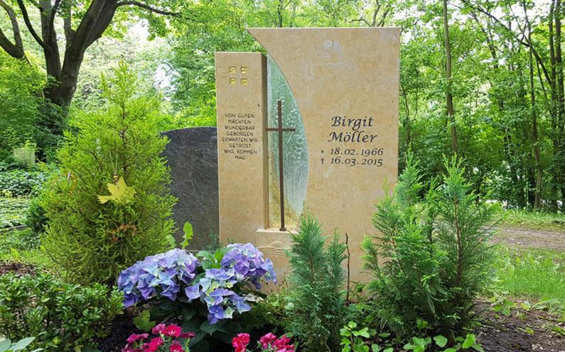 Erfurt Hauptfriedhof Grabmal Möller - 0