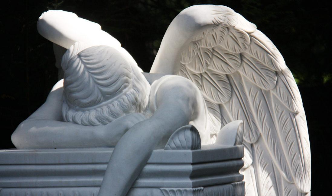 Trauernder Engel Marmor  Emelyn Story Angel of Grief  Engel Grabsteine Grabmale  Steinmetz Köln Südfriedhof