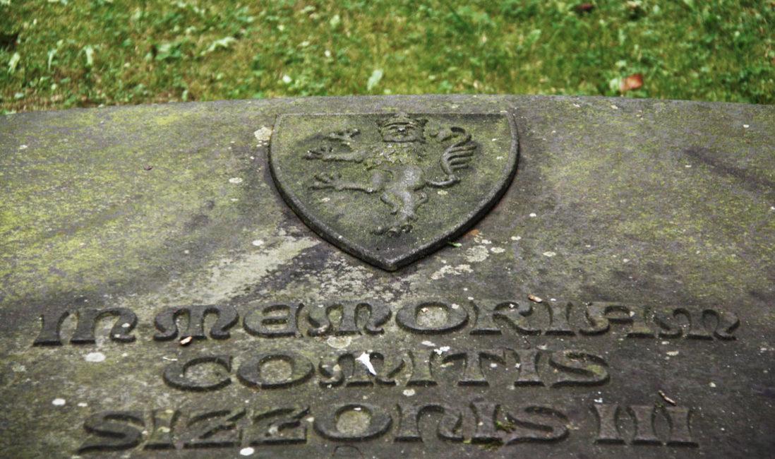 Grabplatte Gedenkstein Sandstein Georgenthal Friedhof Detail