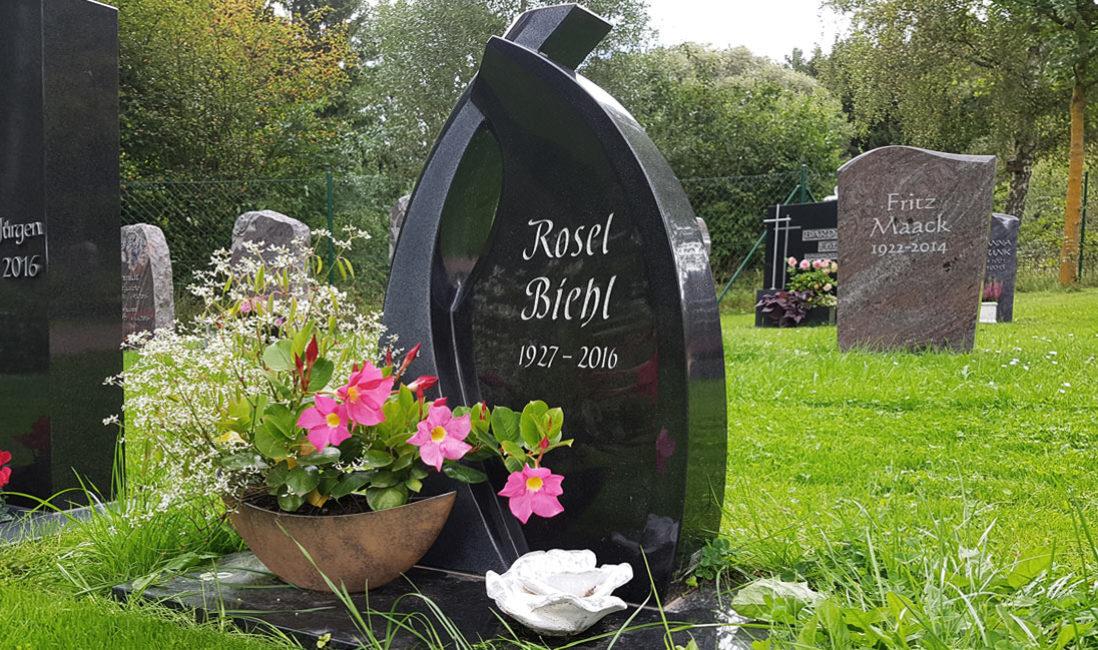 Grabstein Urnengrabmal Granit Ronshausen Friedhof