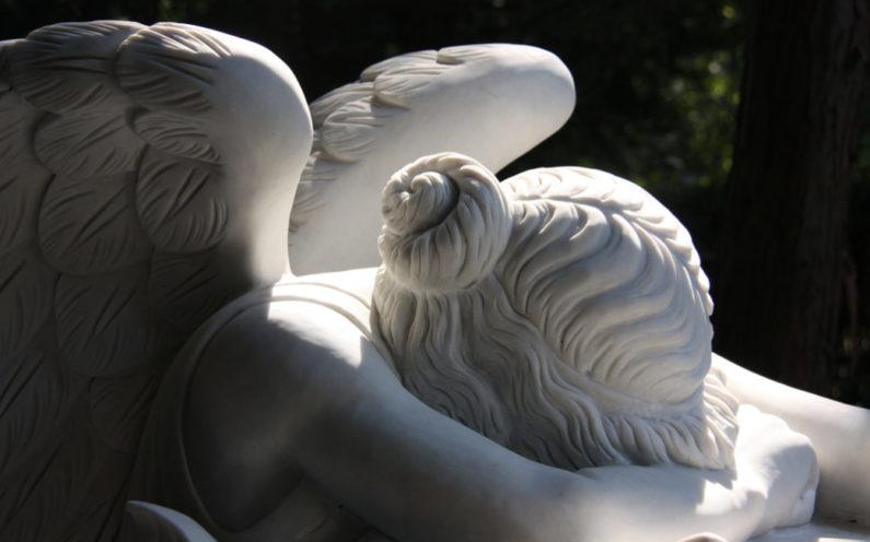 Grabengel Familiengrab aus Marmor mit dem Motiv Emelyn Story (Angel of Grief) aus Rom
