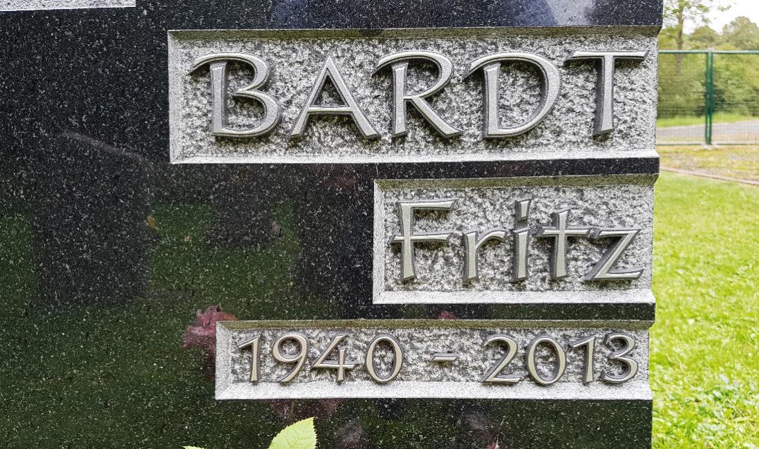 Grabstein Inschrift Metall Beispiel Idee Muster Foto