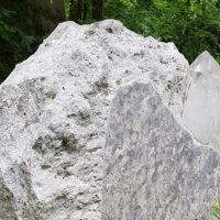 Grabstein Felsen Findling
