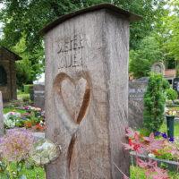 Holzgrabmale Holzgrabsteine Symbol Herz Liebe