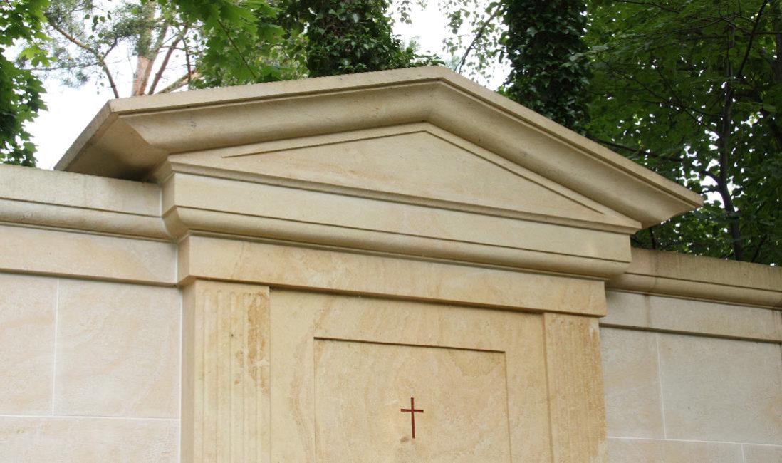Grabanlage Familiengrab Sandstein Petershagen Friedhof Detail