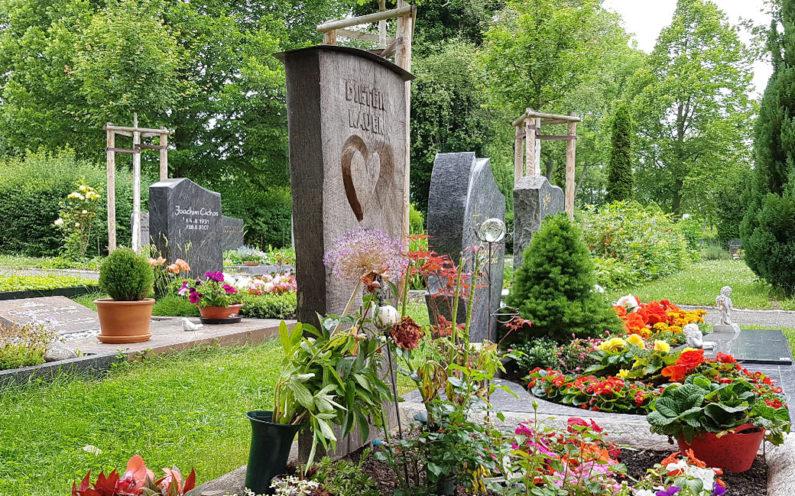 Erfurt-Hochheim Friedhof Grabmal Kauer - 1