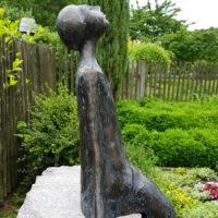 Bronze Figur Grabstein Sternenguckerin